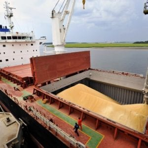 In a Charterparty, who is responsible for securing the cargo? The MV PRIVOCEAN